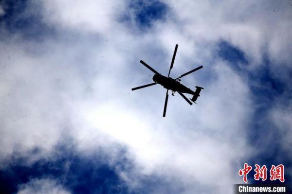 直升机起降训练。 龚颢 摄